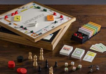 https://cf.ltkcdn.net/boardgames/images/slide/254311-850x595-4_Monopoly_Chess_Checkers.jpg