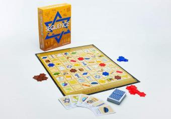 https://cf.ltkcdn.net/boardgames/images/slide/256152-850x595-14_Sequence_Jewish_Edition.jpg