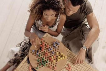 How to Play Chinese Checkers: A Simple Guide Anyone Can Follow