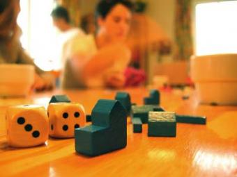 17 Popular Family Board Games That Always Promise Fun
