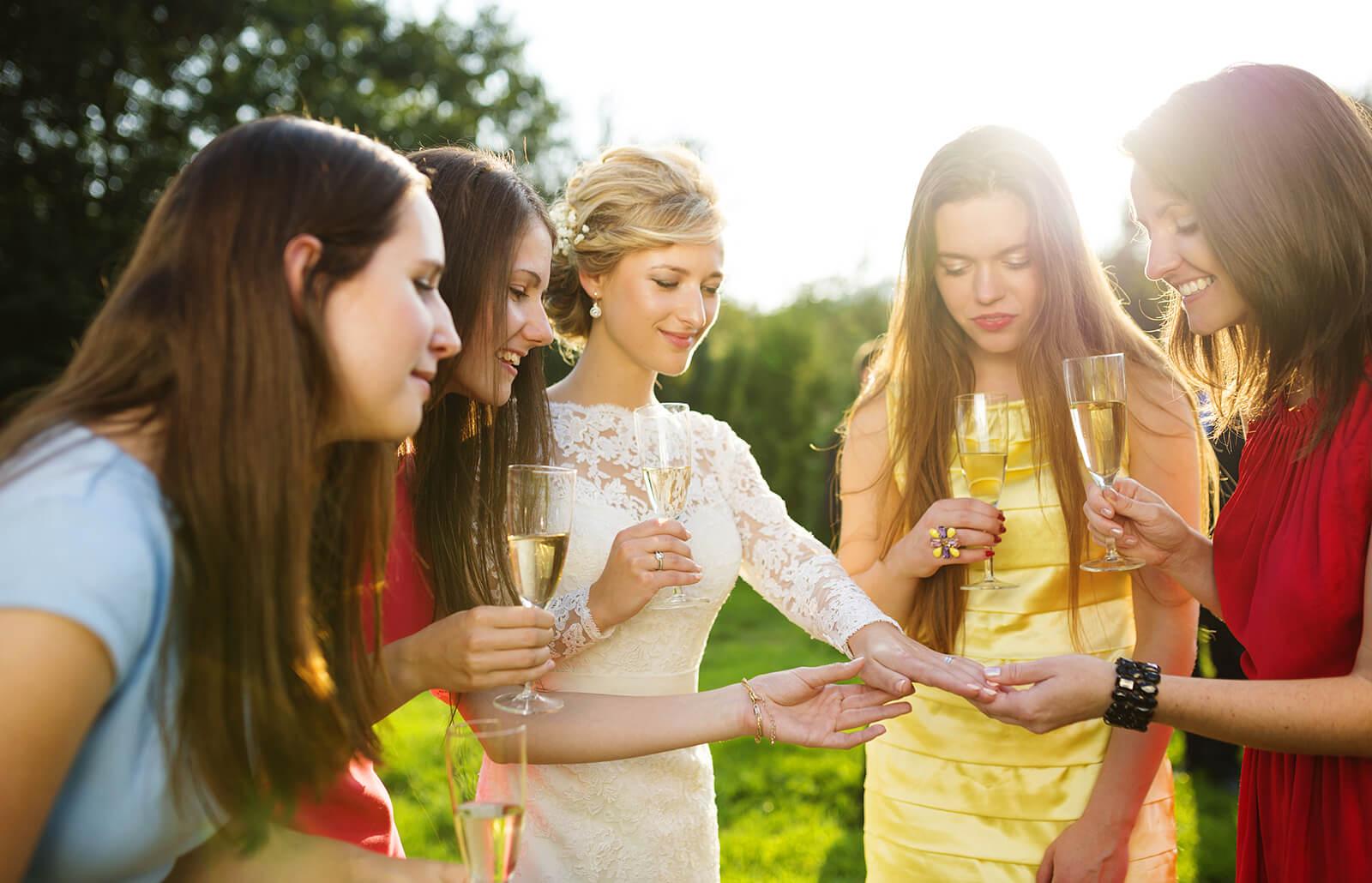 novia-con-invitadas.jpg