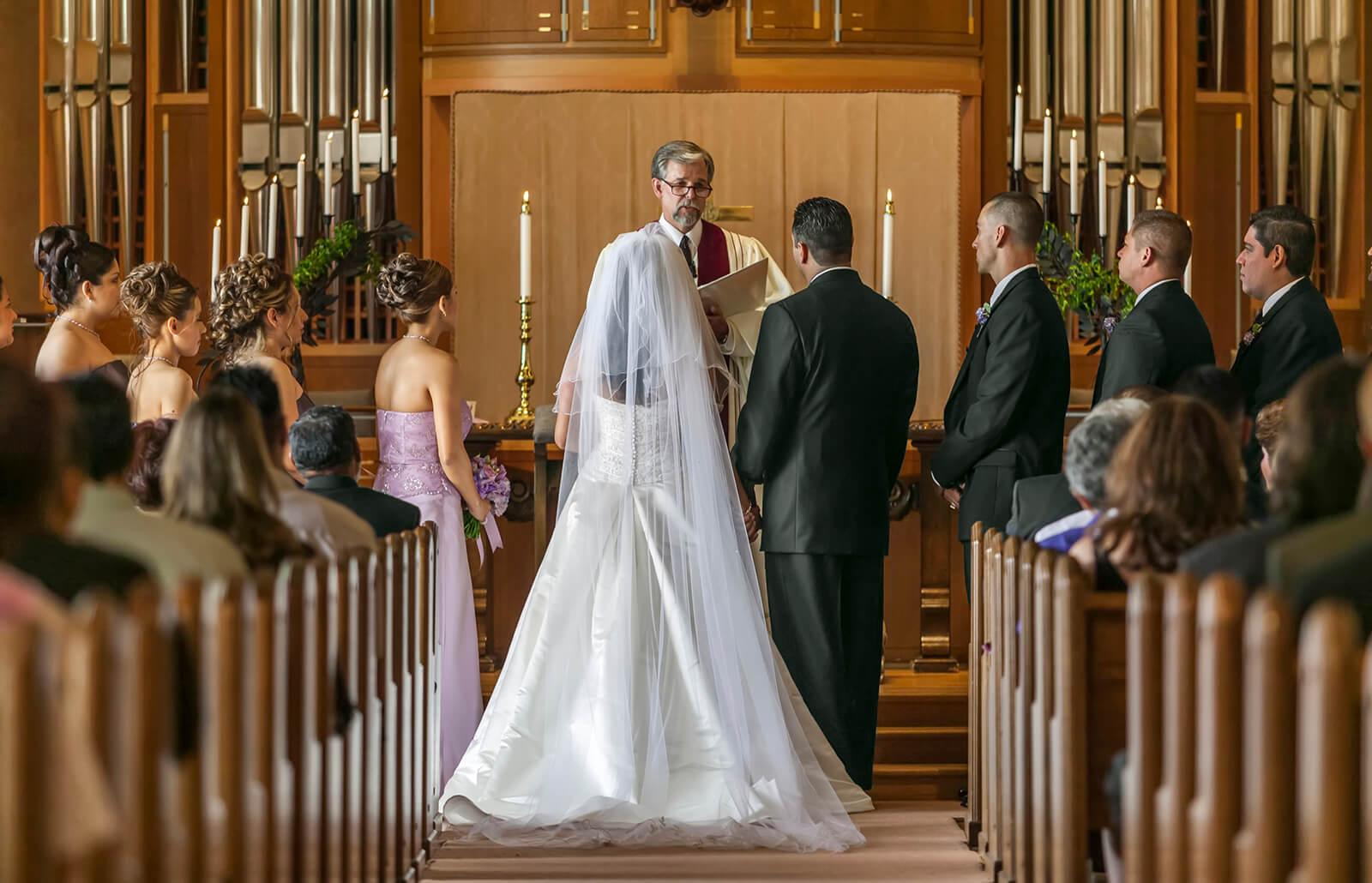 casandose-en-iglesia.jpg