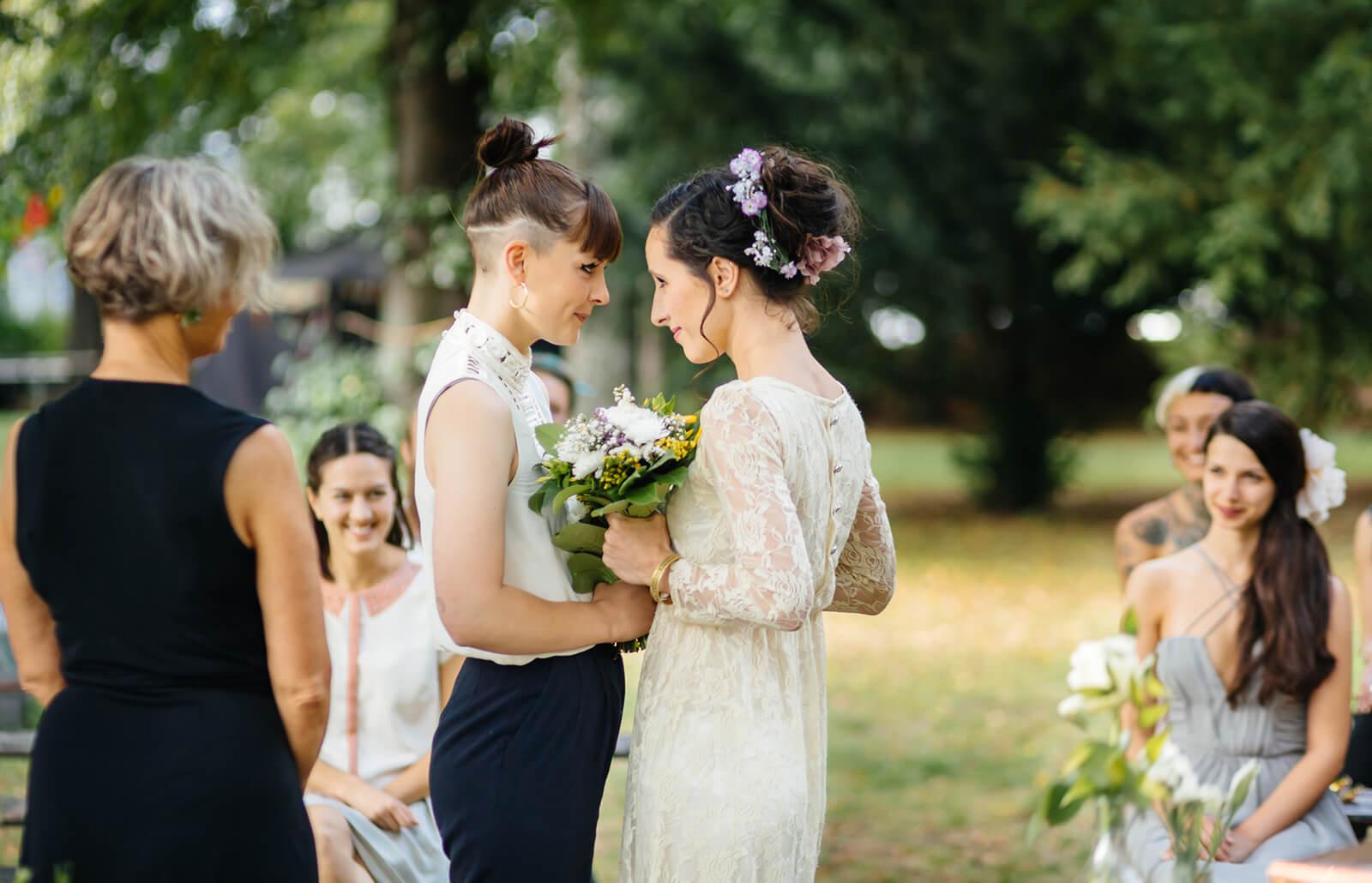 dos-mujeres-casandose.jpg