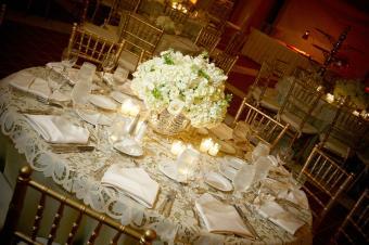 Mesa en la recepción de la boda