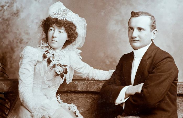 Pareja de boda victoriana