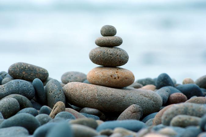 piedras de bendicion en la playa