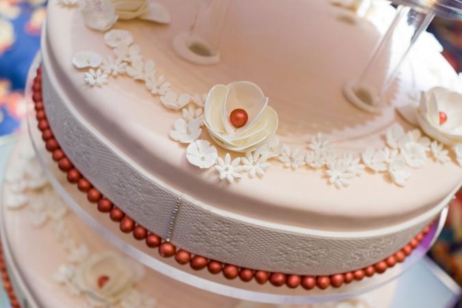 Primer plano de pastel de boda