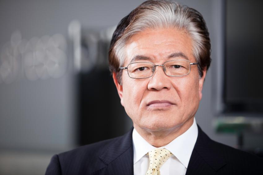 https://cf.ltkcdn.net/business/images/slide/144184-849x565r1-SeniorJapanesBizman.jpg