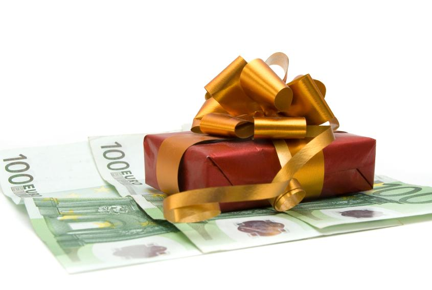 https://cf.ltkcdn.net/business/images/slide/33040-845x568-free_money.jpg