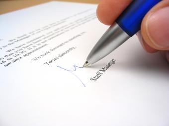 How to End Business Letters With Appropriate Closings