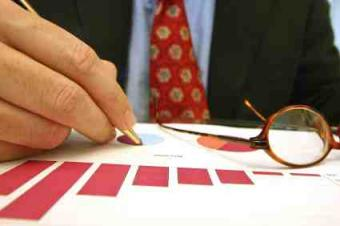 Pros and Cons of Hiring a CFO to Be a CEO