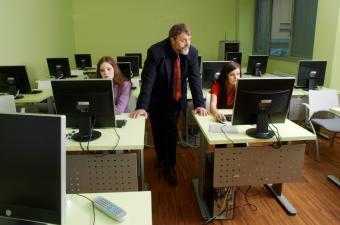 https://cf.ltkcdn.net/business/images/slide/33057-850x563-certification_prep.jpg