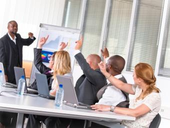 https://cf.ltkcdn.net/business/images/slide/33177-800x600-classroom_training_development.JPG
