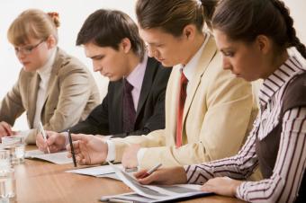 https://cf.ltkcdn.net/business/images/slide/33179-849x565-job_training_slideshow.jpg