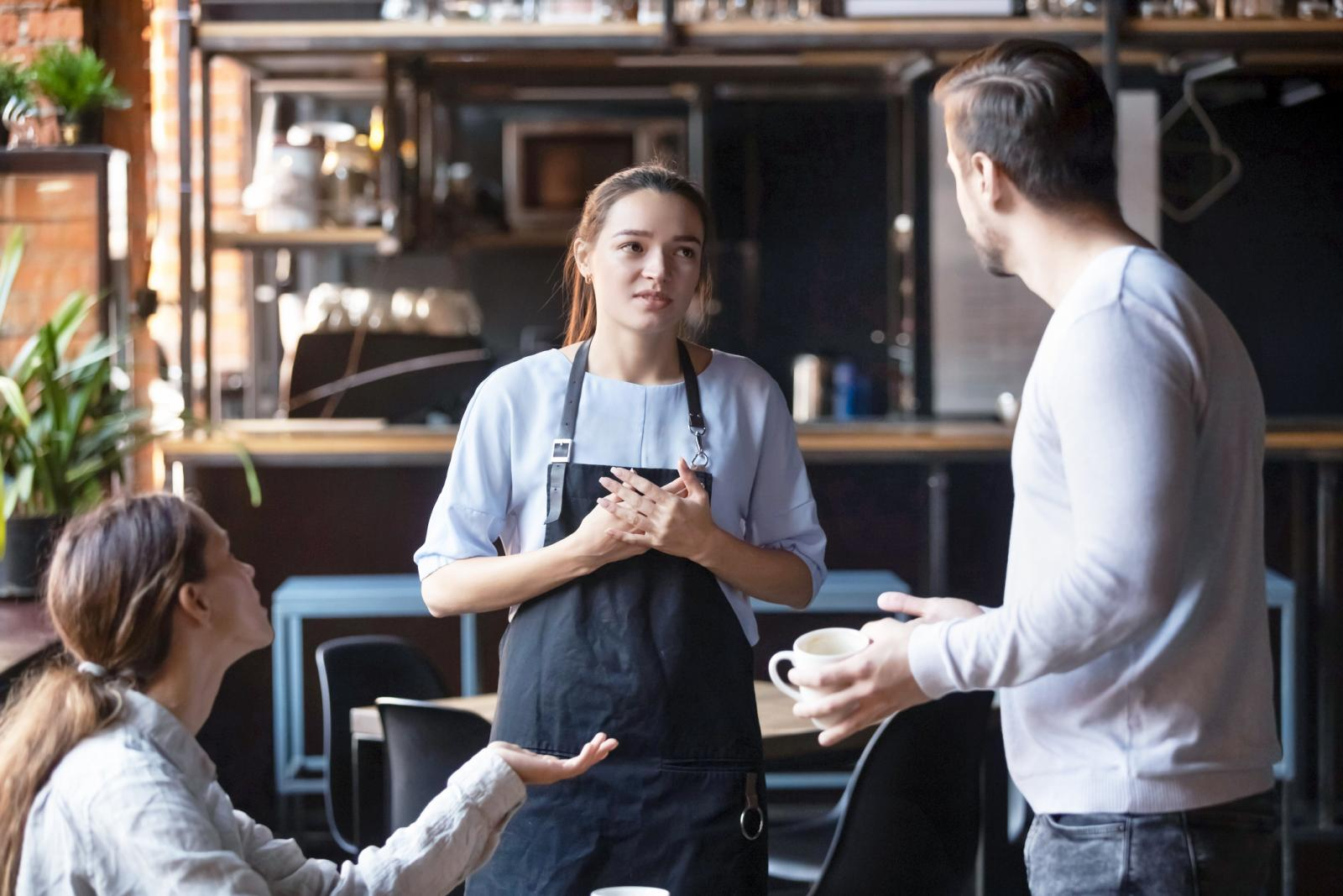 Dissatisfied restaurant clients complaining about bad service