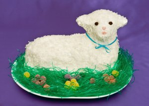 Awe Inspiring Easter Lamb Cake Lovetoknow Birthday Cards Printable Inklcafe Filternl