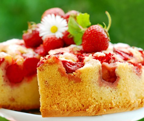 Astounding Summer Birthday Cakes Lovetoknow Personalised Birthday Cards Cominlily Jamesorg