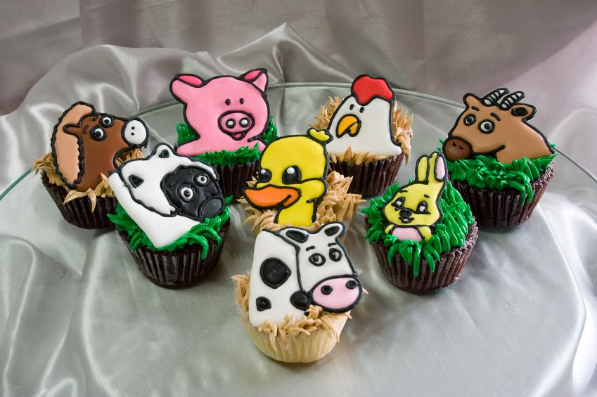https://cf.ltkcdn.net/cake-decorating/images/slide/112634-849x565-Barnyard-Cupcakes.jpg