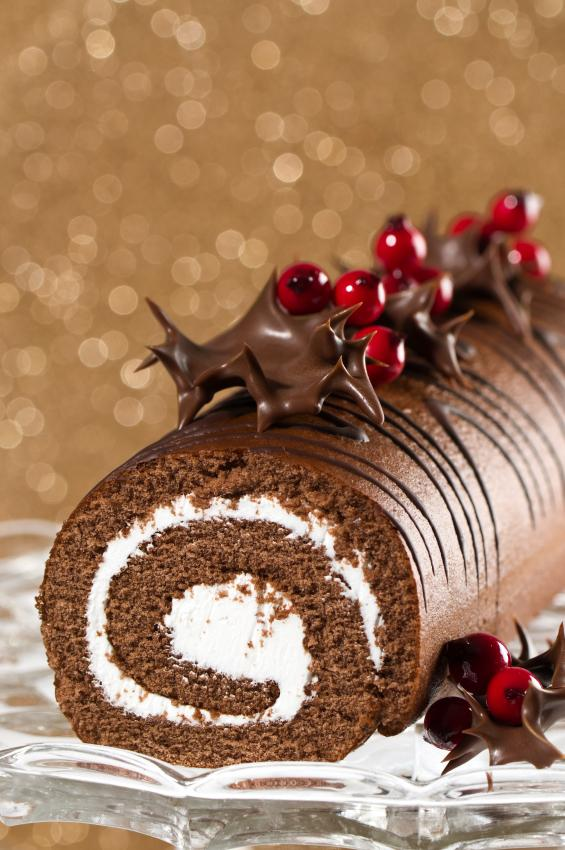 Top 10 christmas cake designs lovetoknow christmas yule log forumfinder Choice Image