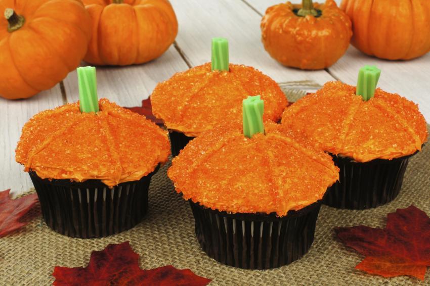 https://cf.ltkcdn.net/cake-decorating/images/slide/180760-850x566-pumpkin-and-stem.jpg