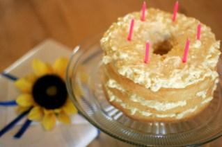 Ideas for Decorating Angel Food Cakes
