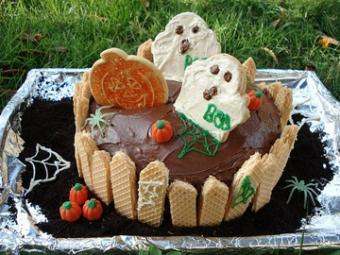 Cake Decorating for Halloween