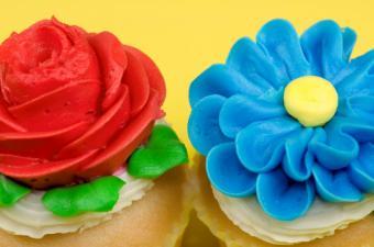 https://cf.ltkcdn.net/cake-decorating/images/slide/112624-850x563-ECC4.jpg