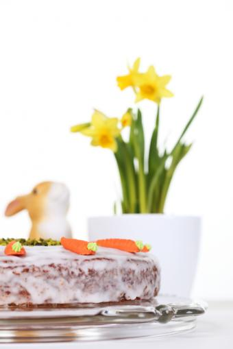 https://cf.ltkcdn.net/cake-decorating/images/slide/112729-566x848-Carrot_Cake.jpg