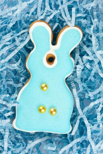 https://cf.ltkcdn.net/cake-decorating/images/slide/112731-566x848-Individual_Bunny_Cake.jpg