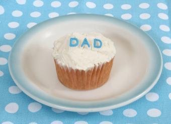 https://cf.ltkcdn.net/cake-decorating/images/slide/112768-800x584-fathersday5.jpg