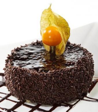 https://cf.ltkcdn.net/cake-decorating/images/slide/112792-351x400-fallcake5.jpg