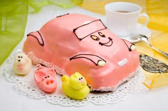 https://cf.ltkcdn.net/cake-decorating/images/slide/112870-849x565-Car_Cake.jpg