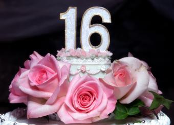 https://cf.ltkcdn.net/cake-decorating/images/slide/112880-820x585-16b-day_grand_celebration_roses.JPG