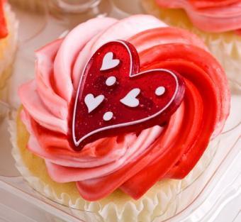 https://cf.ltkcdn.net/cake-decorating/images/slide/113137-434x400-valcup14.jpg
