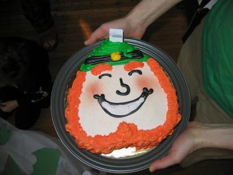 Jolly leprechaun cake.