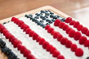 https://cf.ltkcdn.net/cake-decorating/images/slide/135765-850x563r1-patriotic2a.jpg