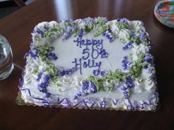 https://cf.ltkcdn.net/cake-decorating/images/slide/170408-700x525-50th-sheet-cake-flickr.jpg