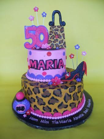 https://cf.ltkcdn.net/cake-decorating/images/slide/170420-450x600-50th-Diva-Mom-cake-flickr.jpg