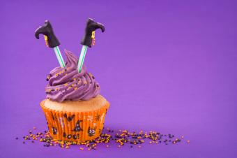 Witch legs cupcake