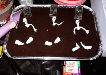 skeleton dirt cake