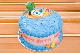 https://cf.ltkcdn.net/cake-decorating/images/slide/178027-850x565-Beach-60th-Birthday-Cake.jpg
