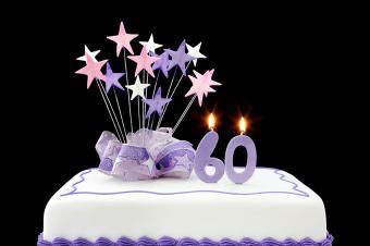https://cf.ltkcdn.net/cake-decorating/images/slide/178037-850x565-Stars-60th-Birthday-Cake.jpg
