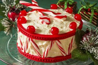 https://cf.ltkcdn.net/cake-decorating/images/slide/182707-850x565-drum-cake.jpg