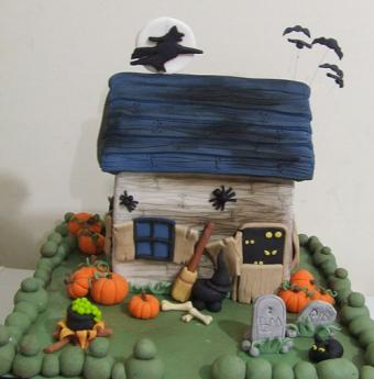 Halloween Haunted House Cakes