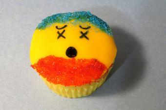 https://cf.ltkcdn.net/cake-decorating/images/slide/217163-704x469-Dizzy-Dude.jpg