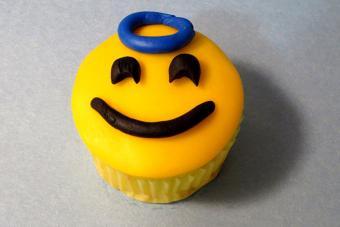 https://cf.ltkcdn.net/cake-decorating/images/slide/217167-704x469-Angelic-Options.jpg