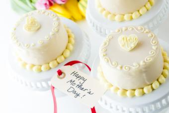 Mothers-Day-Cakes