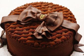 Chocolate Basketweave Bow Cake