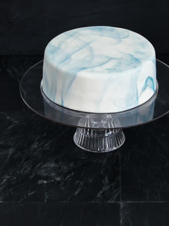 cake covered with marble effect fondant