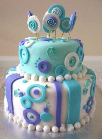 Fondant circles cake